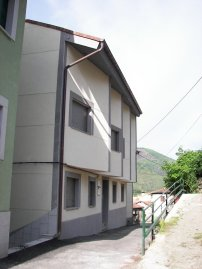 Jefe de Obra. Edificio de viviendas en Felechosa (Asturias). 2006